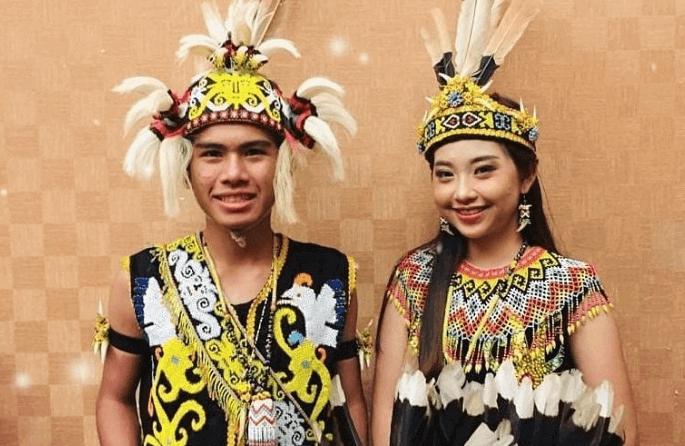 Pakaian Adat Indonesia Lengkap Dengan Gambar Dan Asalnya
